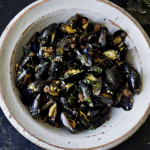 Mussels with sausage meat